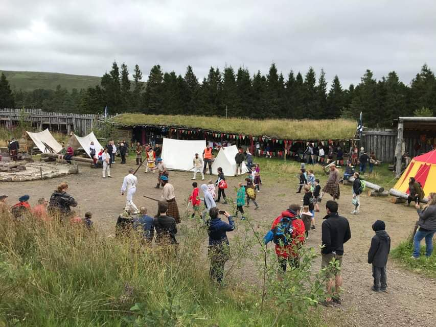 People acting a fight scene at Duncarron medieval village
